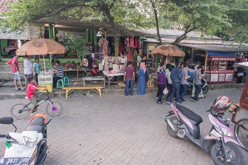 Ramai Suasana Setu Babakan | the atmojo